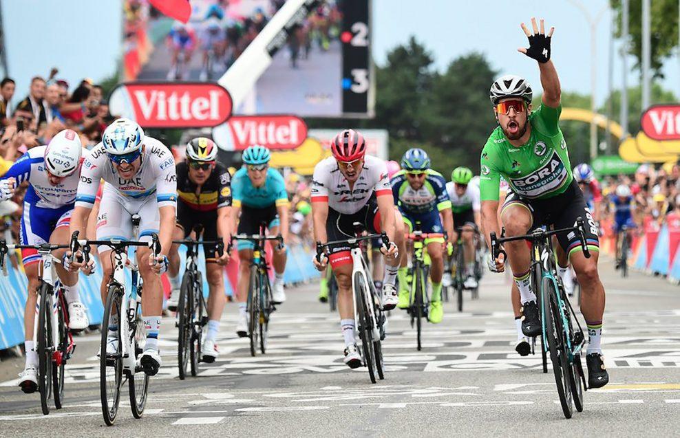b7d11d58ca75b Peter Sagan vyhral trinástu etapu Tour de France po záverečnom špurte