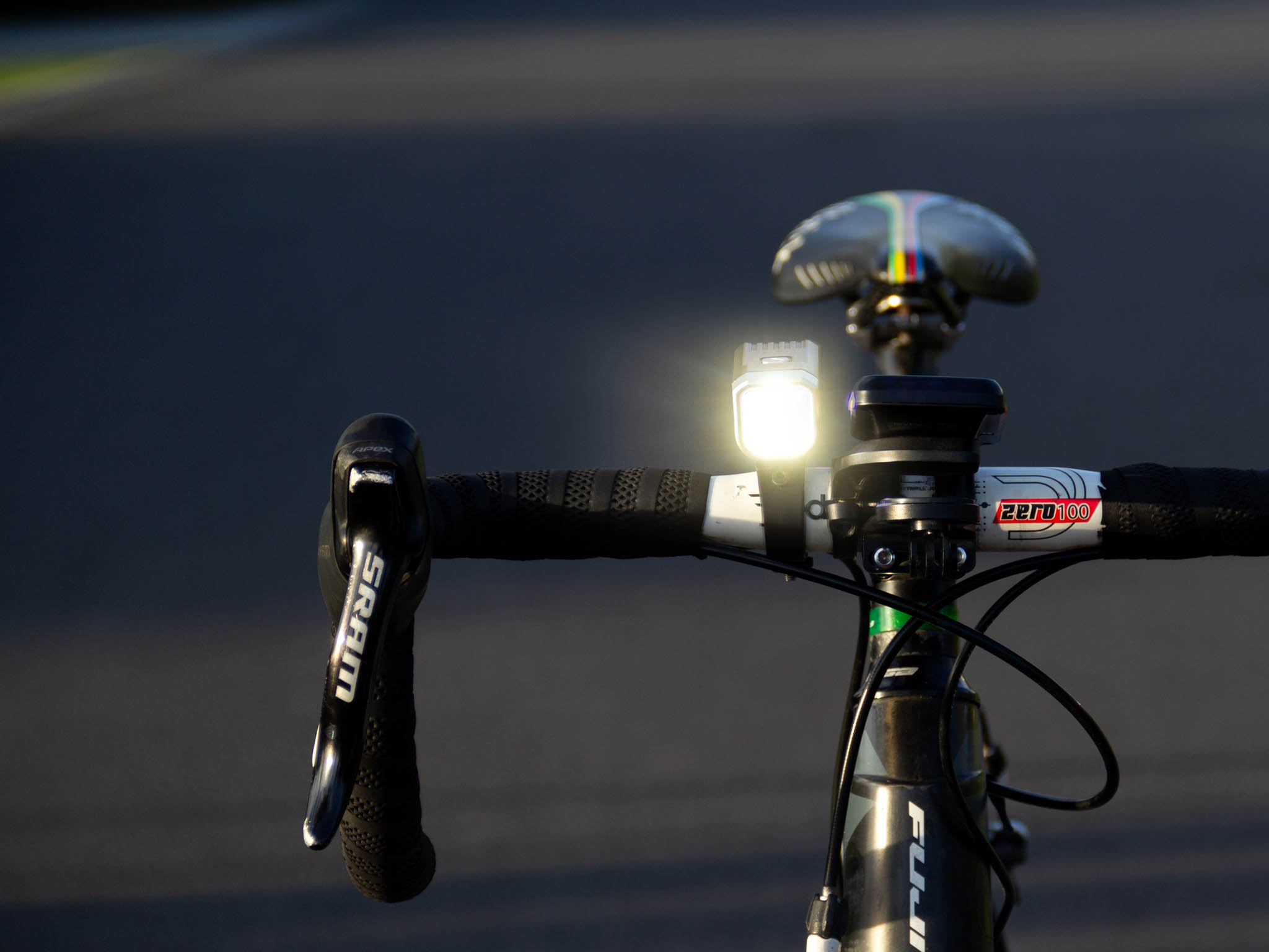 Cyklosvetlo Fenix BC25R