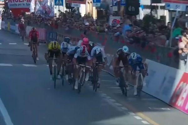 7b7fd6f4b Video: Peter Sagan skončil štvrtý na klasike Miláno – San Remo, zvíťazil  silný Alaphilippe