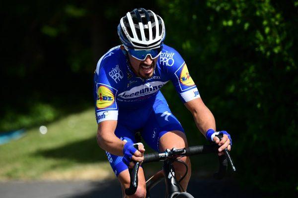 fb5598ad99d7c Sagan skončil piaty v tretej etape Tour de France, suverénnym sólo únikom  vyhral Alaphilippe